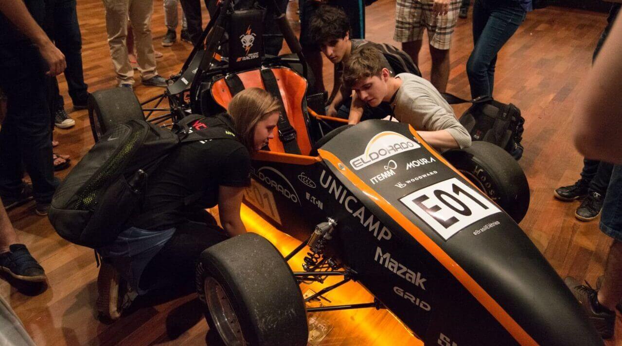 Carro da Equipe UNICAMP E-Racing é campeão de campeonato brasileiro