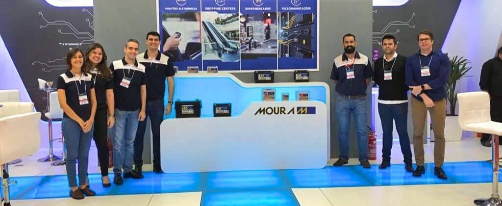 Moura apresenta os diferenciais de suas baterias estacionárias na 22ª Exposec
