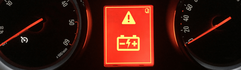 Luz da bateria acesa no painel do carro? Saiba o que fazer