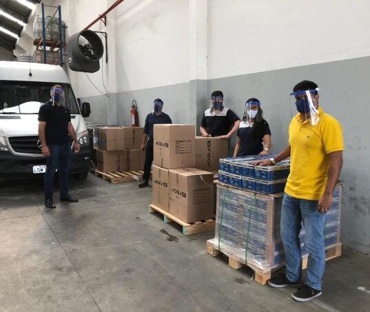 Moura promove doação para hospitais no Rio de Janeiro