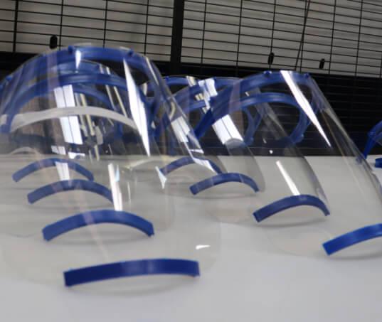 Grupo Moura já produziu e doou 100 mil escudos faciais para ajudar no combate ao coronavírus