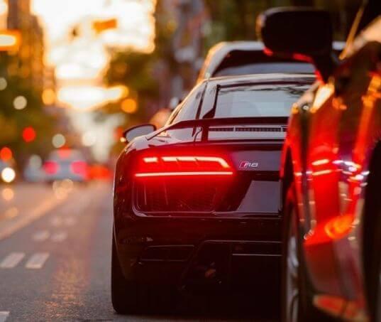 Aprenda como economizar combustível com segurança