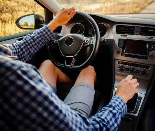 Carro com embreagem dura? Entenda o problema