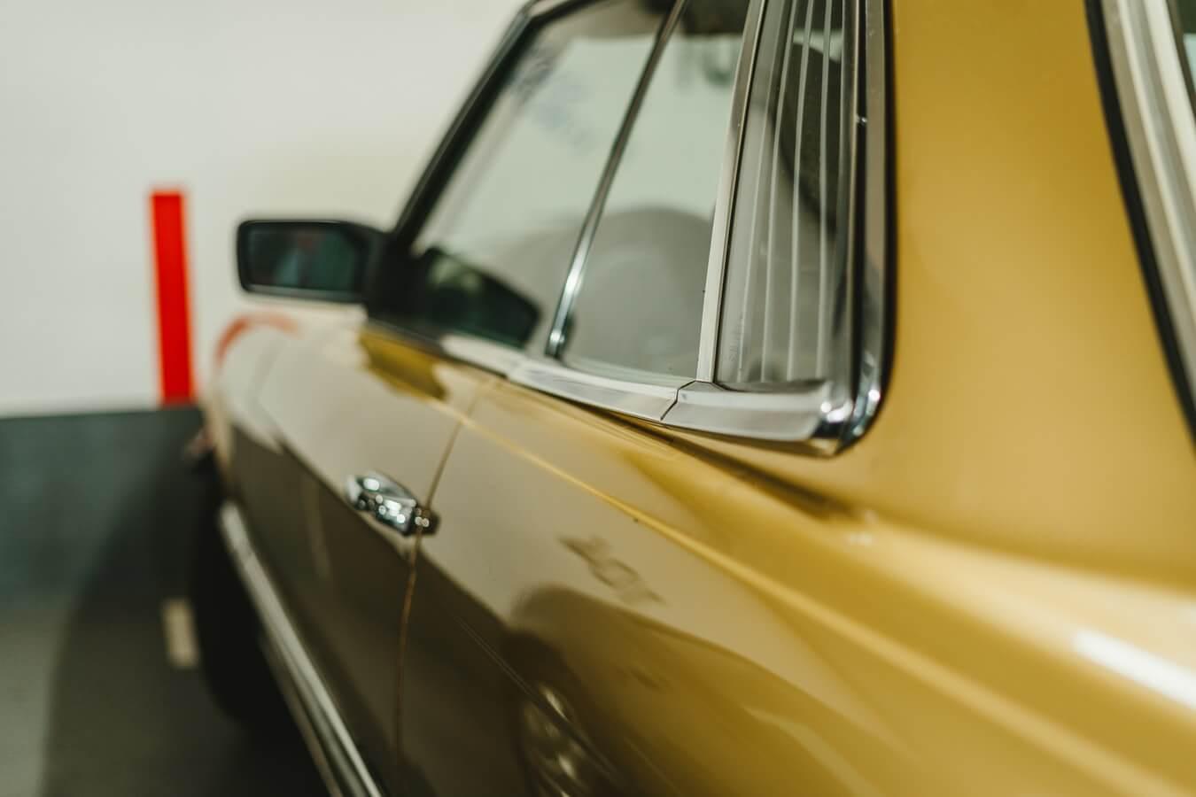 Carro de colecionador, reformado e com verniz brilhando