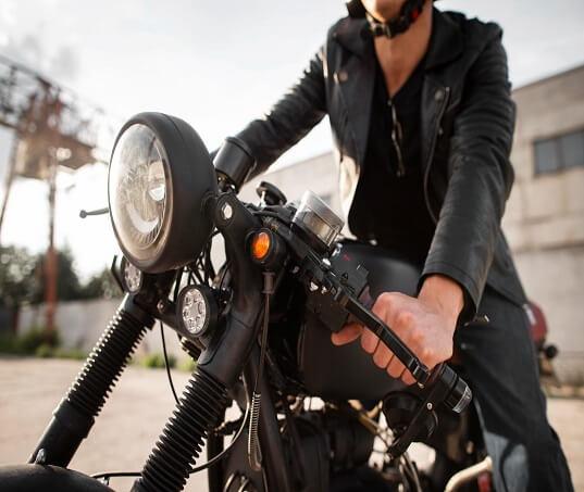 Sua moto não liga nem no tranco? Saiba o que fazer!
