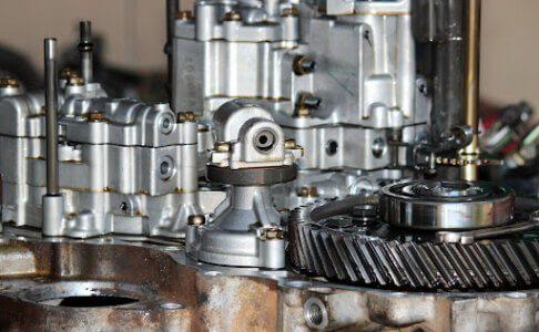 close de peças de motor de torque